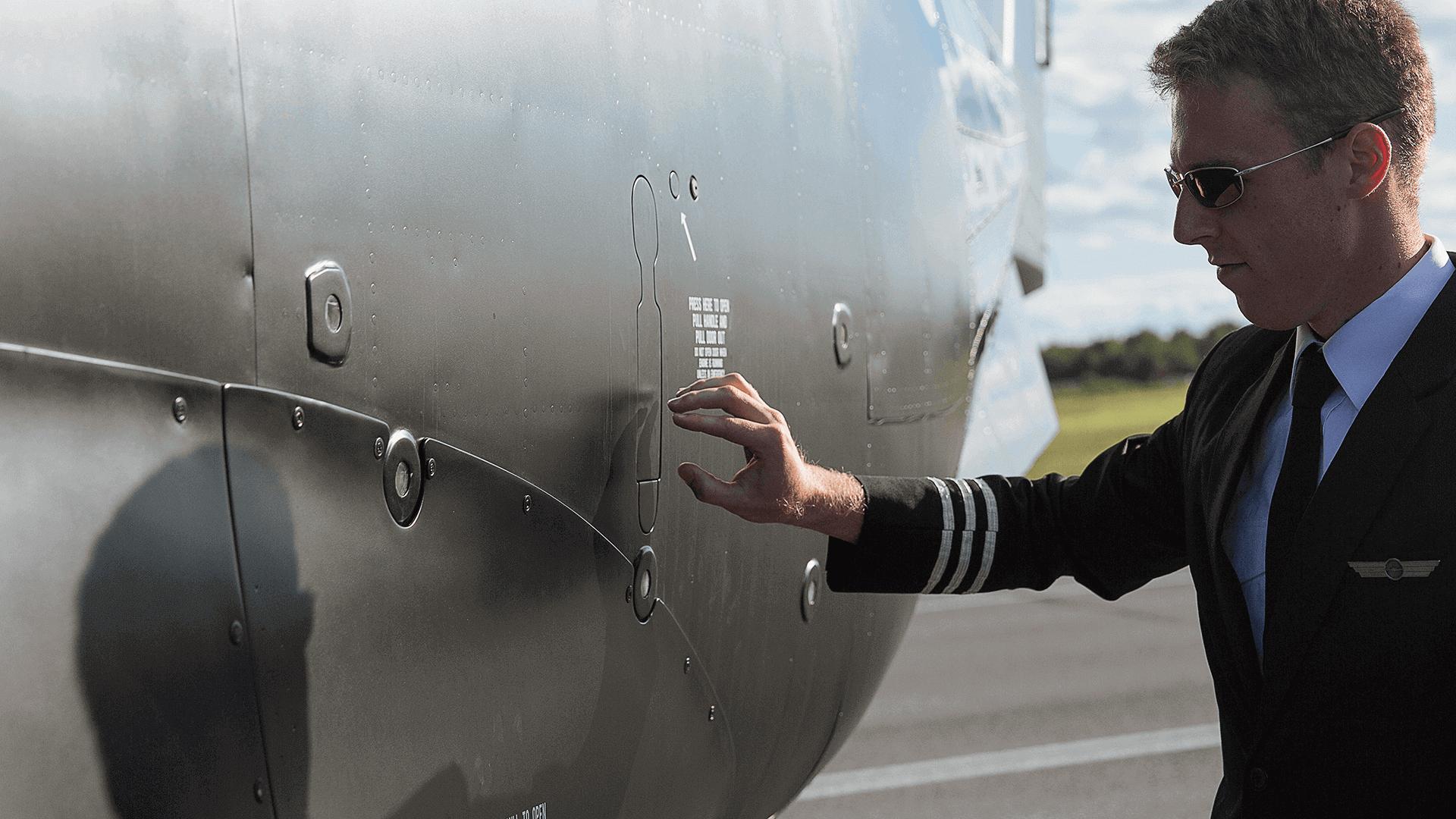 Identité visuelle  Pilatus PC-12 noir mat   Chrono Aviation