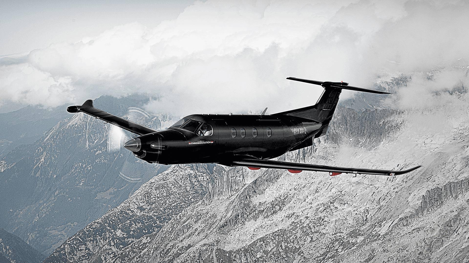 Identité visuelle   Pilatus PC-12 en vol   Chrono Aviation