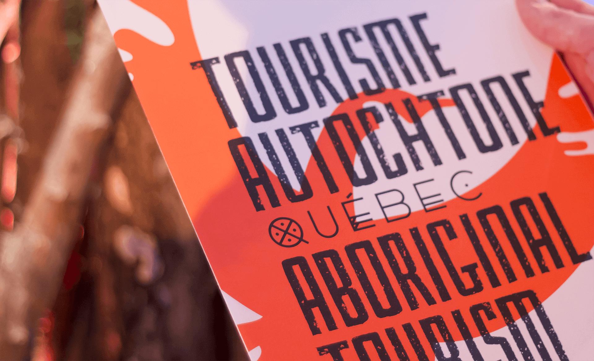 Identité visuelle |Gros plan sur le logo de Tourisme Autochtone Québec |TAQ